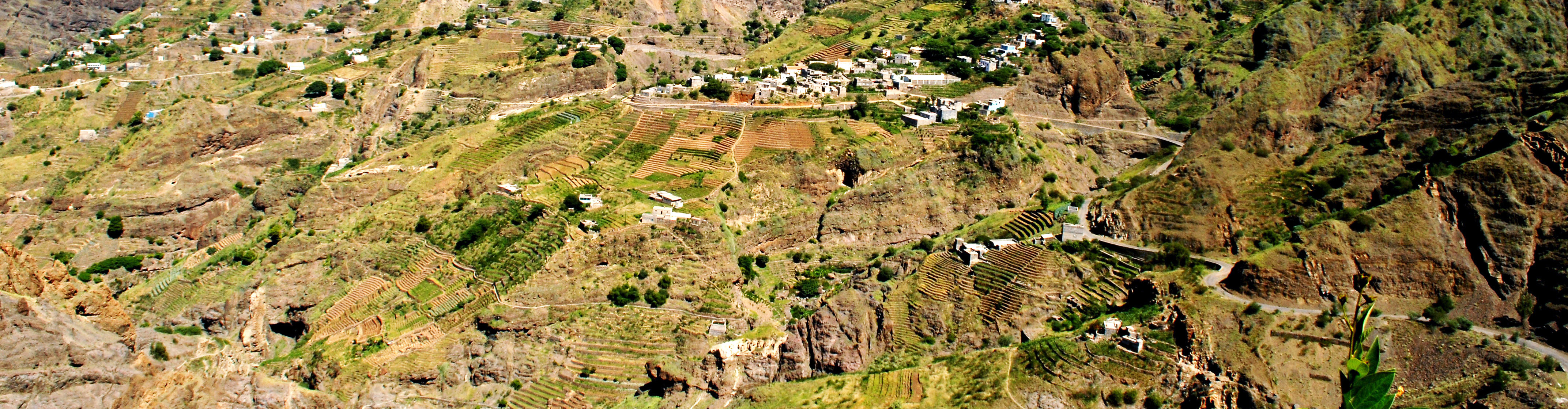 Construção de estrada de alto mira 2º á 3º povoado
